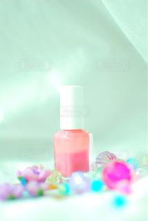 花,ネイル,ピンク,緑,白,かわいい,カラフル,きれい,綺麗,透明,紫,バラ,日差し,パープル,光,瓶,薔薇,レース,キラキラ,ボトル,可愛い,蝶々,器,グリーン,明るい,みどり,はな,ホワイト,お気に入り,桃,ピンク色,ヒカリ,陽射し,桃色,ビビット,ちょうちょ,紫色,チョウ,金,しろ,マニキュア,金色,ゴールド,飾り,輝く,輝き,クリスタル,インスタ,きらきら,ビーズ,ばら,華,むらさき,チョウチョ,ひかり,ミドリ,光り,きん,映え,ちょう,ぴんく,かざり,ももいろ,ケア,多色,あかるい,ぴんく色,ふじ色