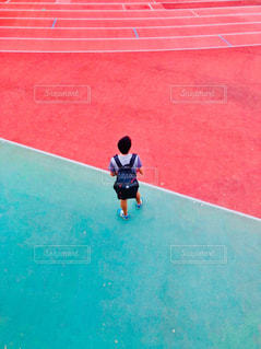男性,スポーツ,屋外,陸上,グリーン,競技場,スポーツの秋,背面,track&field