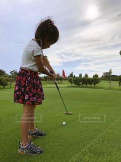 初めてのパターゴルフの写真・画像素材[1547056]