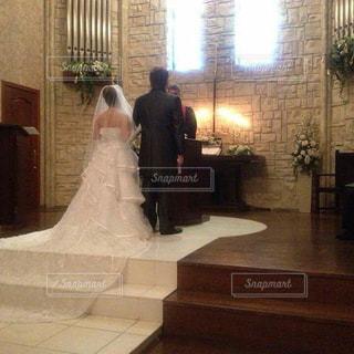屋内,結婚式,ドレス,人,誓い,ウエディング,チャペル,バージンロード,スーツ