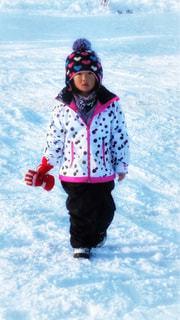 冬,雪,白,子供,女の子,ニット帽,手袋,スキー場,ホワイト,島根県,6歳,スノー,ホワイトカラー,ウエアー,三井野原スキー場