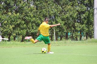 サッカー,ゴール,シュート,サッカー少年,蹴る,ストライカー,蹴る瞬間