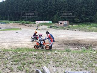 カラフル,バイク,山,子供,エンジン,練習,ポジティブ,オートバイ,オフロード,教育,将来の夢,乗り方