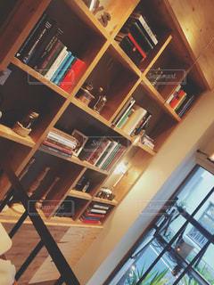 本棚の部屋の写真・画像素材[1546453]