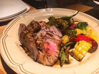 お肉ディナーの写真・画像素材[1548492]