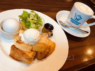 カフェ,朝食,フレンチトースト,サラダ,ゆで卵,cafe,モーニング,ひと休み,ちょっと一息,星乃珈琲,豆乳ラテ