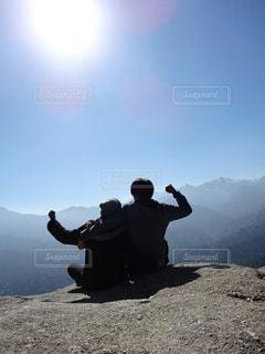 自然,カップル,山,トレッキング,山頂,屋久島,一緒,太鼓岩,ポジティブフォト