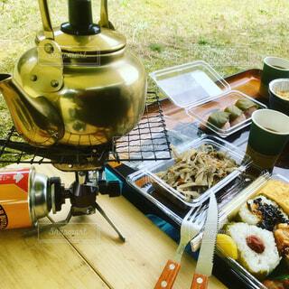 道の駅で買ったお弁当でピクニックの写真・画像素材[4352677]