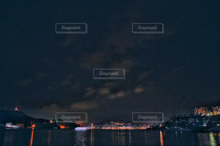 夕闇迫る長崎港の写真・画像素材[1860337]