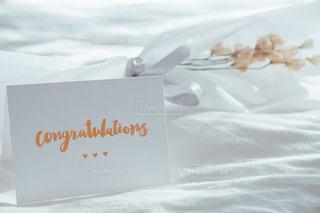 インテリア,白,結婚,シンプル,愛,お祝い,ホワイト,おめでとう,メッセージカード,フォトジェニック,大切な人へ,心を込めて,白いお花