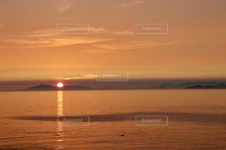 下灘駅からの夕陽の写真・画像素材[1685884]