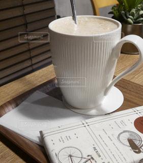 飲み物,カフェ,茶色,カップ,ドリンク,ベージュ,ミルクティー,飲料,ミルクティー色