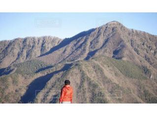 山の頂上での写真・画像素材[2211193]
