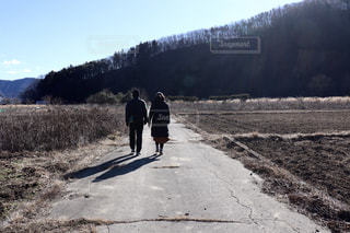 田舎の散歩道の写真・画像素材[2260443]
