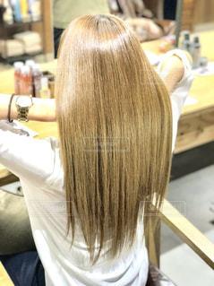 女性,モデル,室内,女の子,後姿,髪の毛,美容室