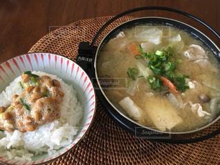 ポジティブ,昼飯,豚汁,進化,あったまる,一人鍋,納豆ごはん