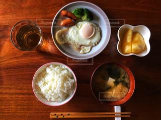 左利きの朝食の写真・画像素材[1641096]