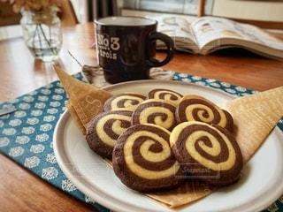 食べ物,おやつ,お菓子,クッキー,カップ,バレンタイン,手作り,ココア,プレーン,渦巻きクッキー