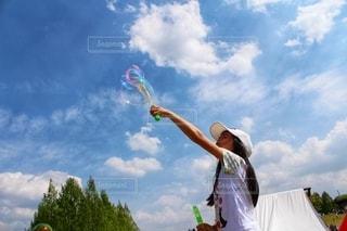 シャボン玉の写真・画像素材[2104199]