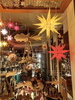 店内のクリスマスグッズの写真・画像素材[2869154]