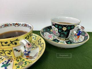 お気に入りのコーヒーカップでひと息の写真・画像素材[2897891]