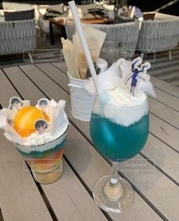グラス,乾杯,ドリンク,ドリンク 炭酸 ブルー