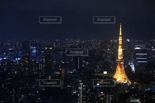 夜の街の景色の写真・画像素材[1680310]