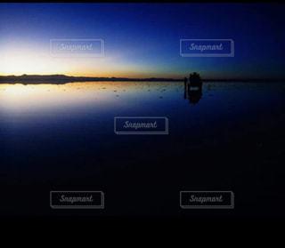 ジープと朝日の写真・画像素材[1829122]