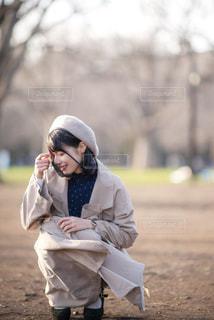 風景,公園,春,屋外,散歩,女の子,少女,光,ベレー帽,樹木,洋服,人物,人,笑顔,服,ポーズ,お散歩,おでかけ,ポートレイト,ポトレ