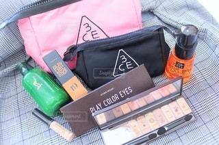 韓国,美容,コスメ,化粧品,化粧水,韓国コスメ,アイシャドウ,コンシーラー,化粧ポーチ