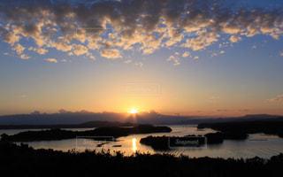 自然,風景,空,夕日,絶景,屋外,太陽,ビーチ,雲,夕暮れ,水面,海岸,光,夕陽,一日の終わり,沈む太陽