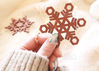 雪の結晶とリングの写真・画像素材[2886917]