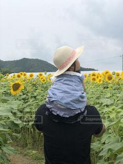 帽子をかぶった女の子の写真・画像素材[3495259]