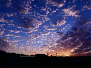 自然,空,夕日,屋外,雲,夕焼け,夕暮れ,夕陽,夢,ポジティブ,広がり,可能性,インスタ映え