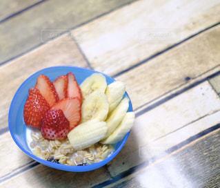食べ物,黄色,いちご,苺,フルーツ,シリアル,ばなな,赤い,イチゴ,バナナ,おやつの時間