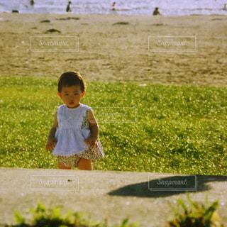 公園,屋外,海辺,散歩,赤ちゃん,未来,可愛い,ベビー,ポジティブ,草木,散策