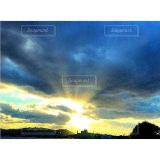 眩しい光の写真・画像素材[1860764]