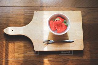 赤,光,いちご,フルーツ,果物,写真,可愛い,甘い,イチゴ