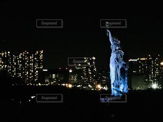 夜の街の景色の写真・画像素材[1698083]