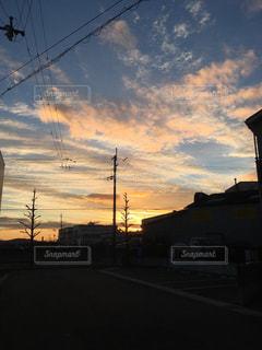 風景,空,街並み,屋外,雲,夕暮れ,景観