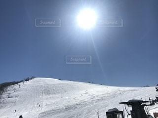 ピーカンすぎた雪山の写真・画像素材[1746026]