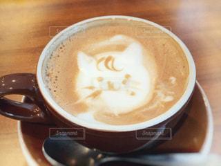猫,飲み物,カフェ,コーヒー,屋内,かわいい,茶色,室内,テーブル,ねこ,カップ,cafe,ラテアート,ラテ,色,喫茶,ネコ,ミルクティー色