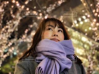 女性,屋外,光,イルミネーション,大阪駅,待ち合わせ,グランフロント大阪,シャンパンゴールド,GRAND FRONT OSAKA
