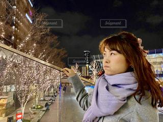 女性,マフラー,イルミネーション,LED,待ち合わせ,グランフロント大阪,遅刻,シャンパンゴールド,GRAND FRONT OSAKA,うめきたSHIP