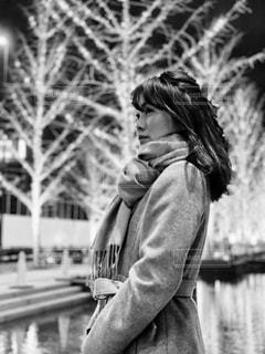 女性,風景,水,モノクロ,イルミネーション,いちょう並木,グランフロント大阪,シャンパンゴールド,北館ガーデンテラス