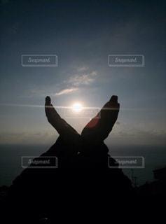 自然,空,夕日,屋外,太陽,青空,夕焼け,夕暮れ,シルエット,未来,快晴,夢,ポジティブ,日中,目標,可能性
