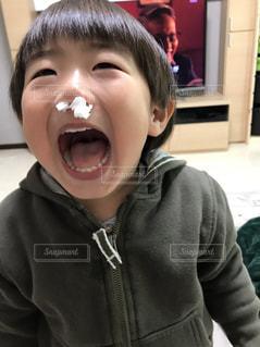 鼻栓ボーイの写真・画像素材[1594044]