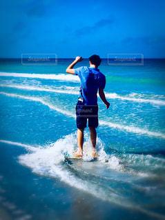海,青空,波,海辺,楽しい,未来,夢,ポジティブ,希望,フレッシュ,潮風,可能性,青年,ハイスクール,フロリダの海
