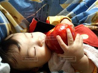 夜,おやつ,りんご,幼児,男の子,おやすみ,白雪姫,眠り姫