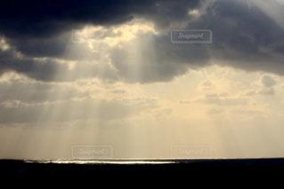 空,屋外,太陽,雲,暗い,水面,光,くもり,神様,日中,クラウド